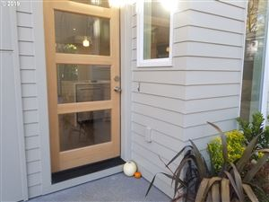 Photo of 7671 SE Alder ST, Portland, OR 97215 (MLS # 19249970)