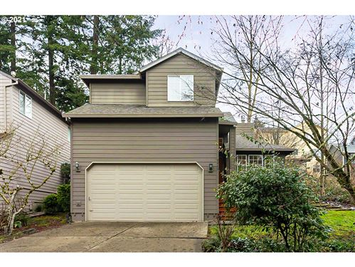 Photo of 9460 SW WOOD PKWY, Portland, OR 97219 (MLS # 21016971)