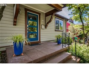 Photo of 504 SE 70TH AVE, Portland, OR 97215 (MLS # 19065977)
