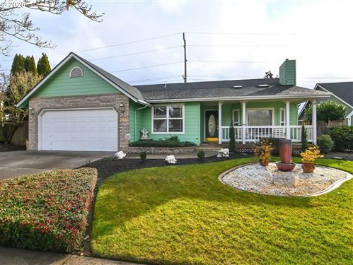 Photo of 2431 OTTO ST, Springfield, OR 97477 (MLS # 19208978)