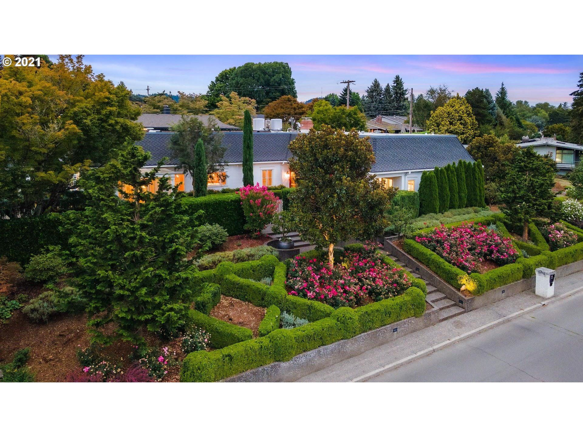 7565 SW WILLOWMERE DR, Portland, OR 97225 - MLS#: 21561978