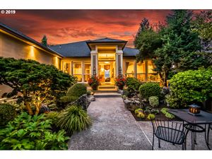 Photo of 6629 SE 148TH AVE, Portland, OR 97236 (MLS # 19159979)