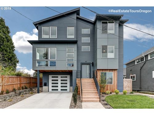 Photo of 16 NE 55TH AVE, Portland, OR 97213 (MLS # 20277980)