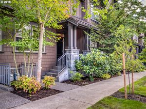 Photo of 661 SW FORESTA TER, Portland, OR 97225 (MLS # 19128982)