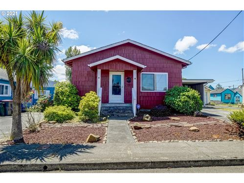 Photo of 941 4th AVE, Seaside, OR 97138 (MLS # 21314982)