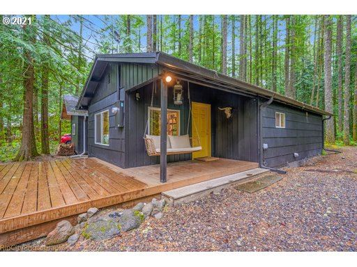 Photo for 23834 E CHINQUEPIN DR, Rhododendron, OR 97049 (MLS # 21049985)