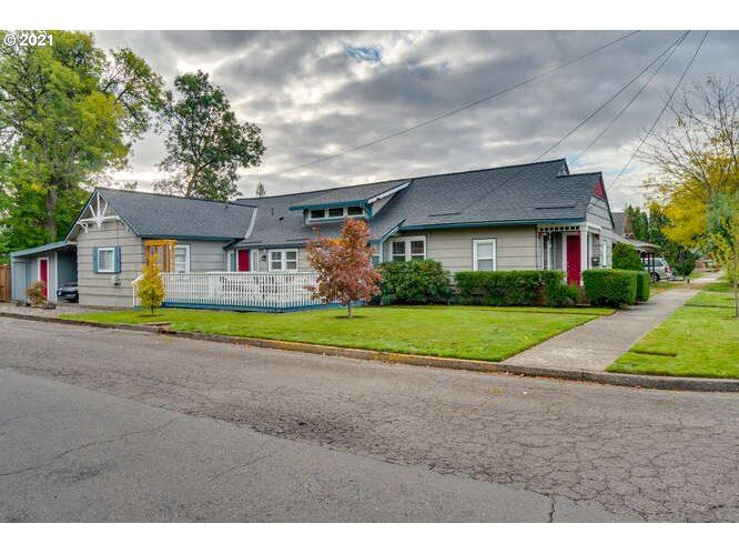 Photo of 1134 NE Hembree ST, McMinnville, OR 97128 (MLS # 21219986)