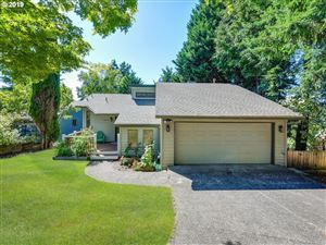 Photo of 4625 SW FLOWER PL, Portland, OR 97221 (MLS # 19113987)