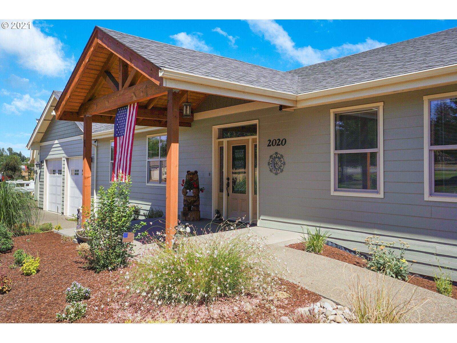Photo of 2020 SW Fairview AVE, Dallas, OR 97338 (MLS # 21627988)