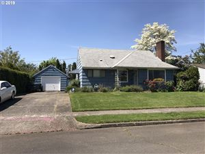 Photo of 1911 SE 97TH AVE, Portland, OR 97216 (MLS # 19670991)