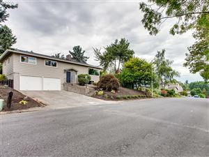 Photo of 10339 SW 40TH AVE, Portland, OR 97219 (MLS # 19303994)