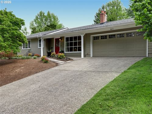 Photo of 3815 SW VERMONT ST, Portland, OR 97219 (MLS # 20640997)