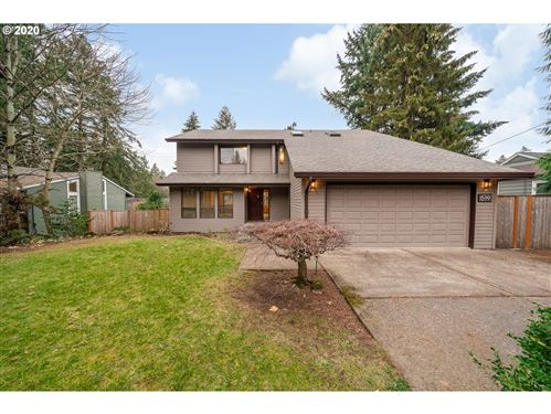 Photo of 1599 OAK ST, Lake Oswego, OR 97034 (MLS # 20656997)