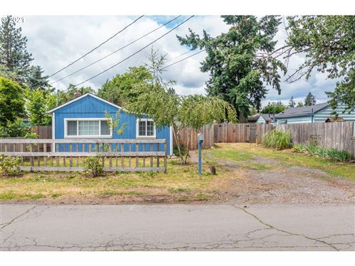 Photo of 8007 SE 65TH AVE, Portland, OR 97206 (MLS # 21059999)