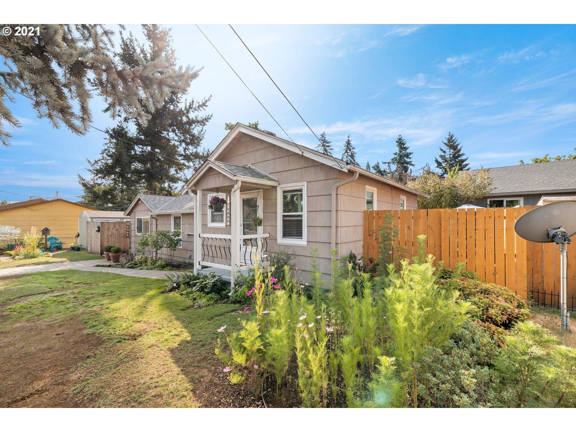 7644 SE CRYSTAL SPRINGS BLVD, Portland, OR 97206 - MLS#: 21412999