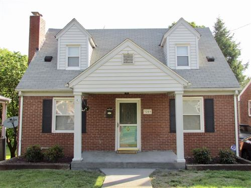 Photo of 3209 Forest Hill NW AVE, Roanoke, VA 24012 (MLS # 870059)