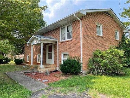 Photo of 422 Saddleridge RD, Bassett, VA 24055 (MLS # 882273)