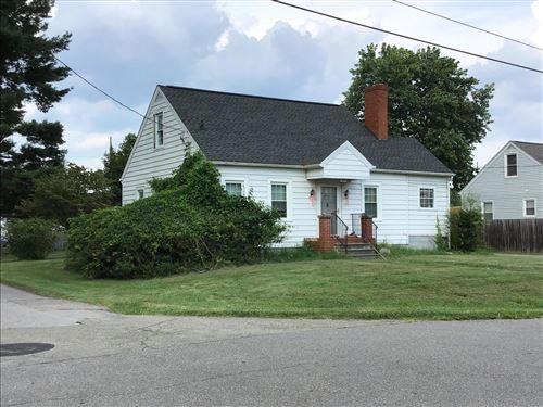 Photo of 303 Riverland DR, Salem, VA 24153 (MLS # 882304)