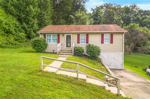 Photo of 1431 EANES SE RD, Roanoke, VA 24014 (MLS # 873435)
