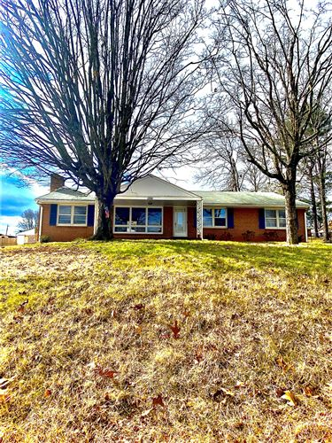 Photo of 5936 Plantation RD, Roanoke, VA 24019 (MLS # 876452)