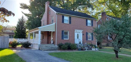 Photo of 2310 York SW RD, Roanoke, VA 24015 (MLS # 884717)