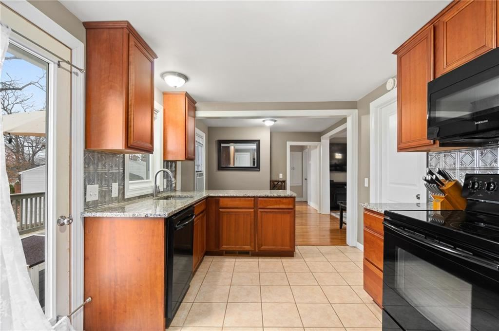 30  Overview Drive, Coventry, RI 02816 - #: 1249386