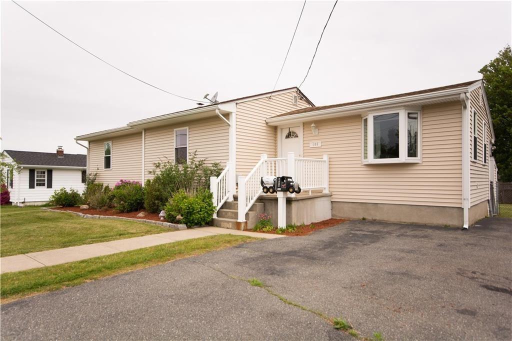 100 Robert Gray Avenue, Tiverton, RI 02878 - #: 1254944