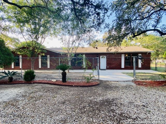 Photo of 980 SHERWOOD FOREST DR, Poteet, TX 78065 (MLS # 1564086)