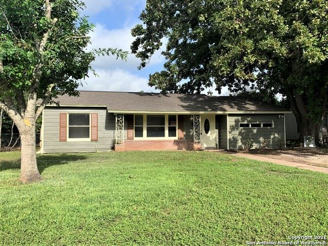 Photo of 420 WALLACE ST, Seguin, TX 78155 (MLS # 1548094)
