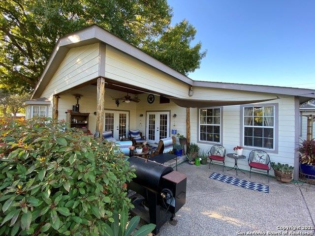 Photo of 1101 E Leona Rd, Uvalde, TX 78801 (MLS # 1503102)