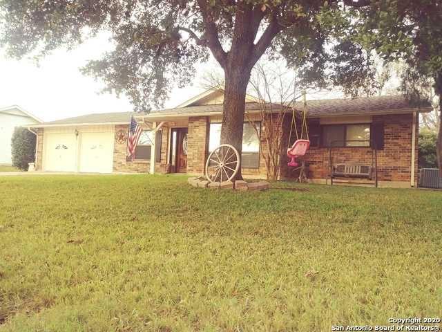 Photo of 545 SHIN OAK DR, Live Oak, TX 78233 (MLS # 1433114)