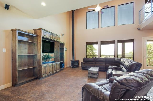 Photo of 383 Leibold Ranch Rd, Pipe Creek, TX 78063 (MLS # 1550130)