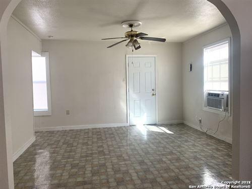 Photo of 1407 W TRAVIS ST, San Antonio, TX 78207 (MLS # 1566174)