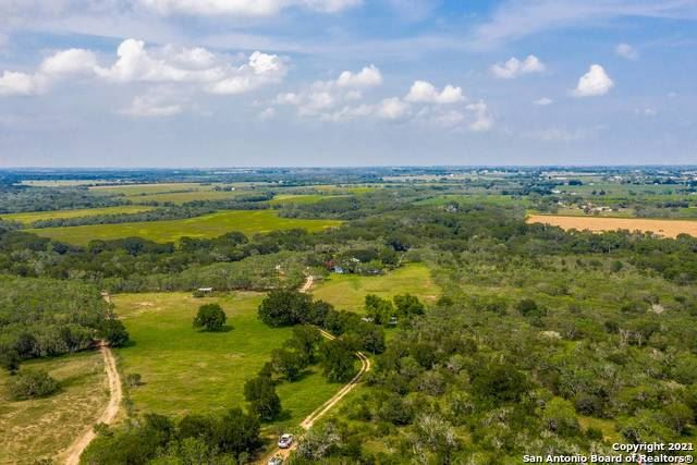 Photo of 17217 MERGELE RD, St Hedwig, TX 78152 (MLS # 1553183)