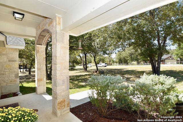 Photo of 160 GREAT OAKS BLVD, La Vernia, TX 78121 (MLS # 1564234)