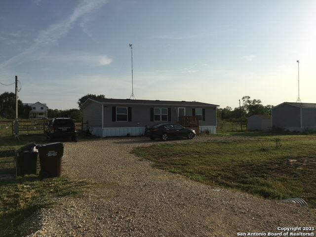 Photo of 305 MARAVILLAS DR, Pleasanton, TX 78064 (MLS # 1558236)