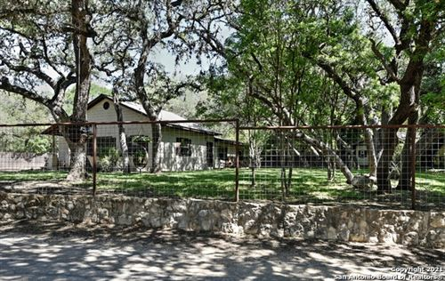 Photo of 9807 Park Drive, Helotes, TX 78023 (MLS # 1527264)