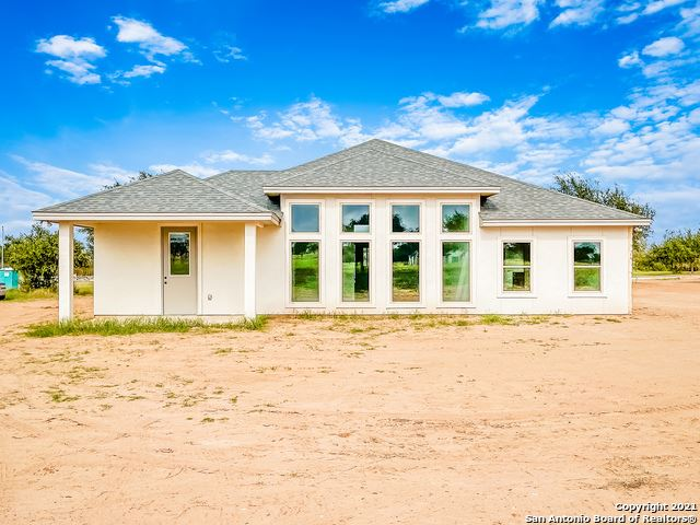 Photo of 108 W Short Meadow Dr, Lytle, TX 78052 (MLS # 1555267)