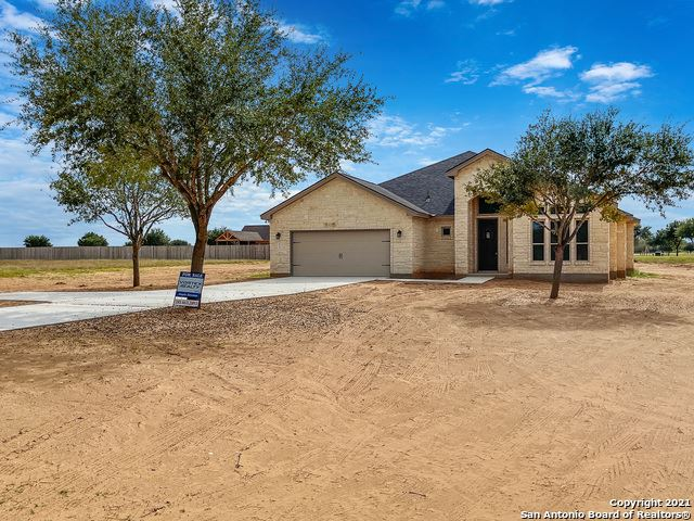 Photo of 112 W Short Meadow Dr, Lytle, TX 78052 (MLS # 1555270)