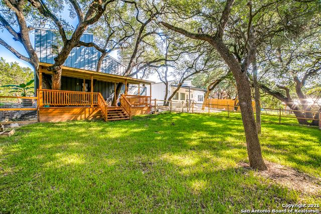 Photo of 1540 WESTVIEW COURT DR, Canyon Lake, TX 78133 (MLS # 1564291)