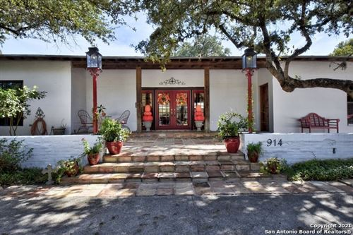 Photo of 914 EVENTIDE DR, Terrell Hills, TX 78209 (MLS # 1555358)