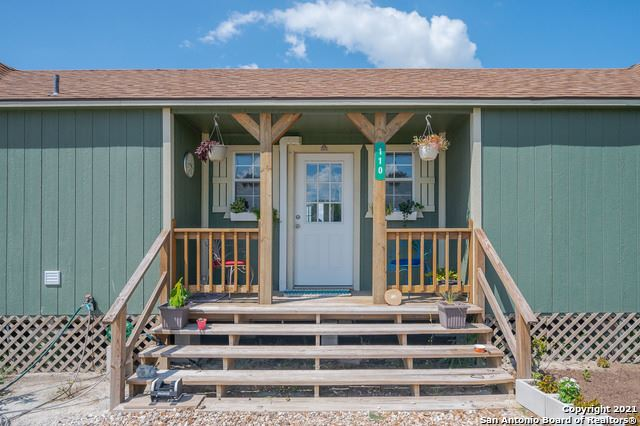 Photo of 110 Teal Rd, Rockport, TX 78382 (MLS # 1560361)