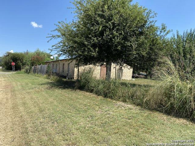 Photo of 514 ELM ST, Jourdanton, TX 78026 (MLS # 1560371)