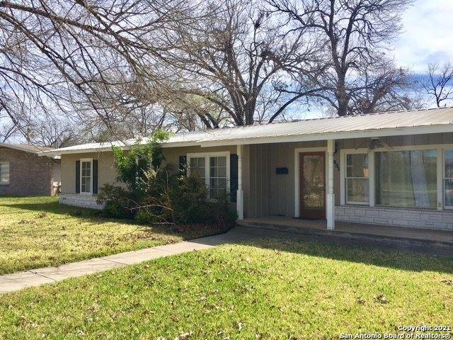 Photo of 831 Cherry, Uvalde, TX 78801 (MLS # 1550372)