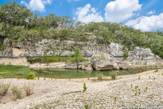 Photo of 502 GREEN VALLEY DR, Pipe Creek, TX 78063 (MLS # 1545477)
