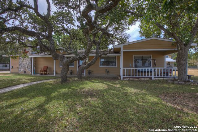 Photo of 168 CLEARVIEW DR, Canyon Lake, TX 78133 (MLS # 1562485)