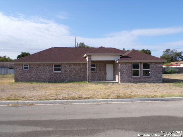 Photo of 428 Huisache Dr., Uvalde, TX 78801 (MLS # 1561507)