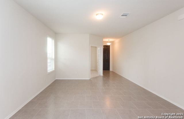 Photo of 4105 Paddock Trl, Seguin, TX 78155 (MLS # 1566545)