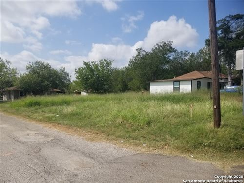 Photo of 1007 3rd St, Floresville, TX 78114 (MLS # 1489558)