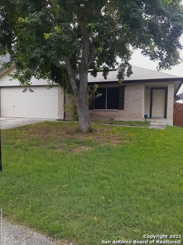 Photo of 8033 CHESTNUT BARR DR, Converse, TX 78109 (MLS # 1548559)